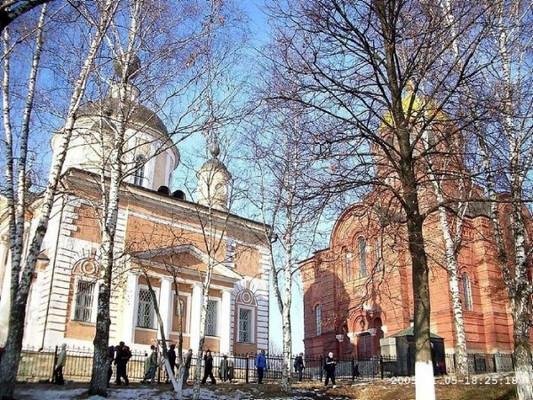 Покровский (1816) и Никольский (1904) соборы Хотькова монастыря
