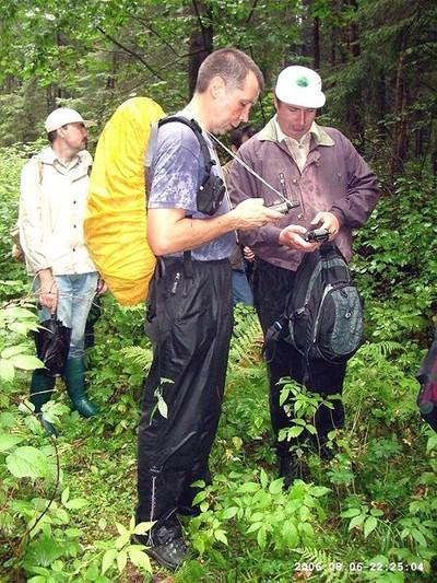 В мокром лесу чудо враждебной техники отказывает...